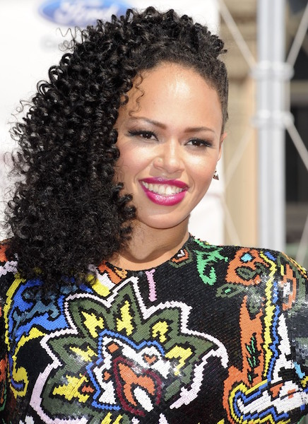 hair crush wednesday elle varners curly to straight tresses