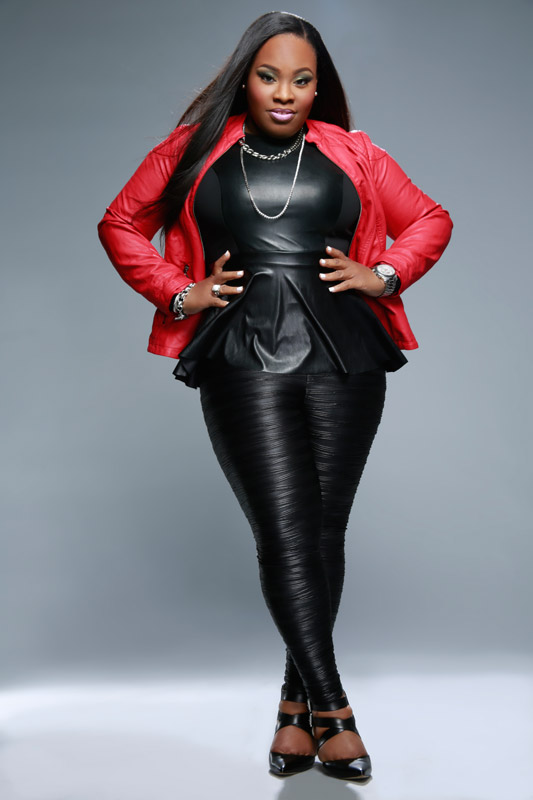 Tasha cobbs captivates with her powerful voice and down to there hair