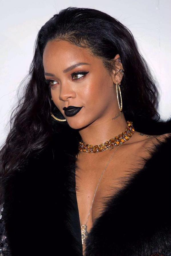 Hype Or Hmm.. Rihanna's Got Another Case Of The (Hair) Blues