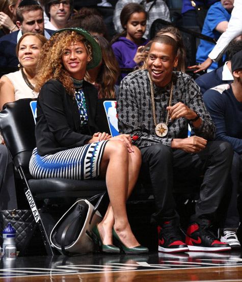 Do Or Don T Beyonce Goes Curly For Nets Game