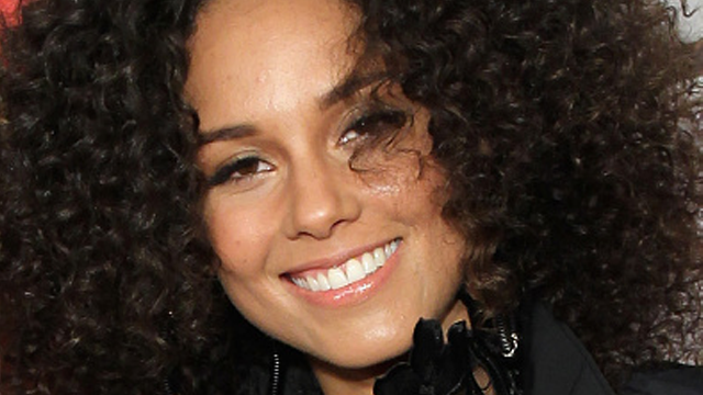 Alicia Keys Shows Off Fresh Face Amp Freckles For Vanity Fair