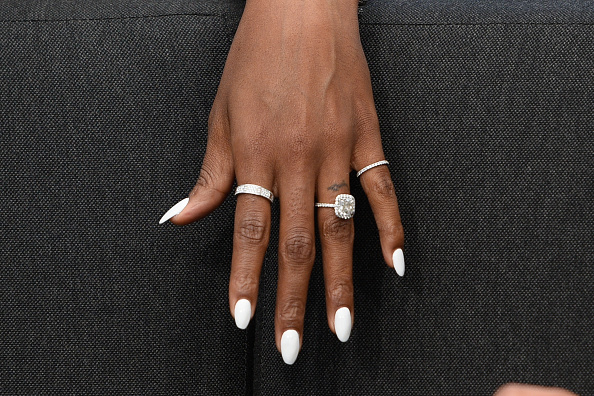 Kelly Rowland S White Hot Nails Are A Spring Must